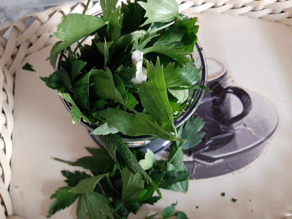 Kleinhacken maggikraut